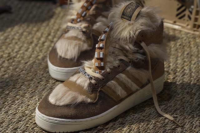 Кроссовки adidas из линейки Star Wars